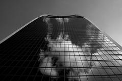 clouds in building (X1 en ballade) Tags: street leica city greatbritain urban blackandwhite bw travelling london art clouds mono mirror blackwhite noiretblanc streetphotography streetlife visit londres angleterre x1 urbain elmarit grandebretagne leicax1 londoninbw