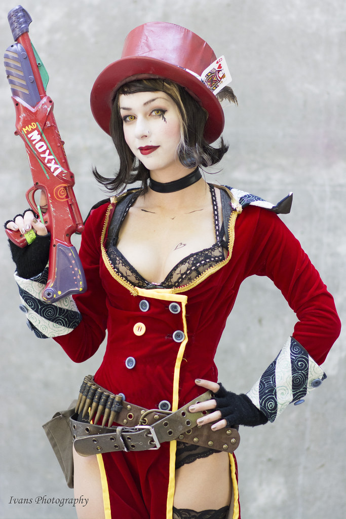 The World's most recently posted photos of 2 and moxxi