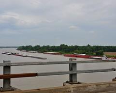 052914-115F (kzzzkc) Tags: bridge usa illinois nikon mississippiriver guardrail barge us60 d7000
