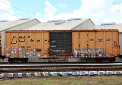(o texano) Tags: bench graffiti texas houston trains dts d30 mayhem freights nekst 4dc jerms a2m benching