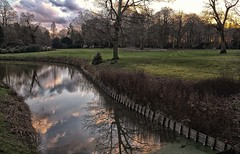 Afternoon light in winter (Eric@focus) Tags: park trees winter sky sun reflection clouds colours afternoon lawn trails dramatic fujifilm antwerp fosse denbrandt jazzmiddelheim greatphotographers xe1 1500v60f colorefexpro niksoftware viveza world100f photoshopcreativo pinnaclephotography