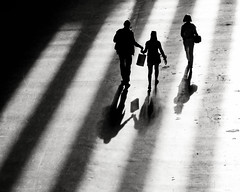 * (donvucl) Tags: bw london texture shadows tatemodern figures donvucl oiympusepl5