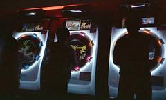 Arcade fire (マイマイ) (Jim Davies) Tags: mjuii olympus film analogue alt japan tokyo expired kodak ultramax 800asa expiredfilm compactcamera 35mm lofi lofihidrag grain hardexpired akihabara electrictown gaming gamers arcade veebotique filmfilmforever ishootfilm マイマイ