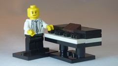 Brick Yourself Custom Lego Keyboard Piano