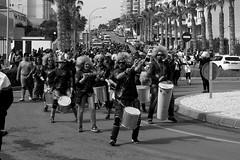 batukada (pepe amestoy) Tags: blackandwhite streetphotography people elcampello spain fujifilm xe1 carl zeiss t planar 250 zm leica m mount