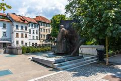IMG_9803 (ludo.depotter) Tags: ivanhribar ljubljana ljubljanica slovenië oudestad