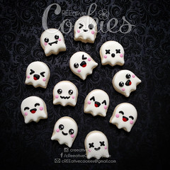 MiniHalloween_Ghosts (cREEative_Cookies) Tags: creeatve cookies ree halloween hallows dia delos muertos candy skulls typography sugar art decorated cookie decorating party theme desserts holiday dessert zombie eyeball nightmare before christmas jack skellington sandy cupcakes spiders pumpkins jackolanterns leaves platter ghosts corn bats blood bloody cut finger ears butcher 3d