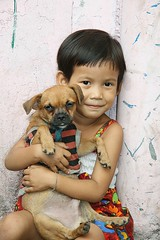boy with his dog (the foreign photographer - ฝรั่งถ่) Tags: boy dog khlong thanon portraits bangkhen bangkok thailand canon kiss