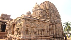 Pattadakal - Karnataka,India. (asithmohan29) Tags: httpbitly2pcobis httpdailyx5i4quu pattadakal aihole archaeologicalsite badami bagalakote chalukyamonuments citiesandtowns culture destinations hindutemples historical india indiantouristplaces jaintemples karnataka karnatakatouristplaces paṭṭadakallu placestovisit pointofinterest populardestinations shaivism temple temples thingstodo tourist touristattraction touristcentre touristplaces touristplacesp travel unesco village worldheritagesite