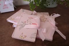 IMG_9738 (Large) (Mimos Art - Para mamães e noivas) Tags: lembrancinha nascimento aniversário chádebebê temajardim gaiolinha borboletas blocodeanotaçãolembrancinha
