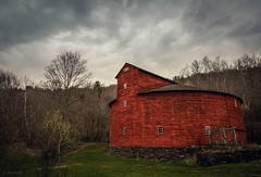 red and round (Jen MacNeill) Tags: red round barn farm historic ny newyork catskills upstate building old halcottsville mountain kellybarn