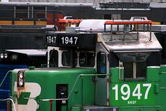 The Unibrow (Jeff Carlson_82) Tags: bnsf burlingtonnorthernsantafe 1947 emd sd402 bn burlingtonnorthern brow unibrow ptc modification thomasbrow mac midamericacar kc mo missouri kansascity detail train railroad railfan railway