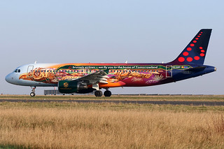 Airbus A320 brussels airlines oo-snf
