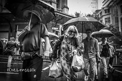 MONO9551 (h.m.lenstalk) Tags: leica m typ 240 summilux summiluxm 28mm 28 f14 14 114 11428 oz aussie australia australian street sydney people urban life city asph black white monochrome 246