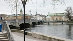 Stockholm 2017 (Nabil AlSoufi) Tags: stockholm april 2017 cloudy cold snow green royal palance old town building lake bridge birds