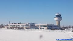 Ottawa, MacDonald-Cartier International Airport in the snow... Canada (ssspnnn) Tags: macdonalcartierairport ottawaairport airport aeropuerto aeroporto aeroport snunes nunes spnunes spereiranunes samsung galaxyedge nieve neve snow travel ottawa canada