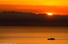 L'ultimo spicchio (Matteo Nebiacolombo) Tags: montediportofino tramonto sunset liguria travel mare sea marligure golfodigenova genova camogli portofino