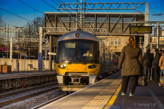 Hayes Station (© Sanjay Lal) Tags: hayes hayesharlington london hayestown travel morning commuter traveller arrival wait train gwr nationalrail nationalraillondon