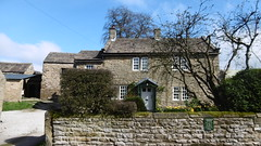 Laburnum Cottage, Eyam   -   April 2017 (dave_attrill) Tags: laburnum cottage eyam derbyshire peak district hope valley 11th century village bubonic plague breakout 1665 rev william mompessom anglo saxon roman lead mining 260 deaths main road rd architecture outdoor stonework historic mid 17th cottages april 2017 national park white mines domesday book