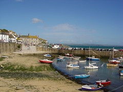 The village and fishing port of Mousehole, Cornwall, 14th Sept 2004. (Dave Wragg) Tags: mousehole village fishingport cornwall