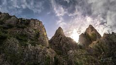 Cheddar Gorge & Caves (Lazaros E) Tags: cheddar rock ckoud nikon uk cheddargorgeandcaves peaks caves d5200 sun gorge rocks