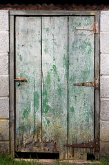 green door (backpackphotography) Tags: door hinge old rust gate peeling paint farm shed rusty rusting shack dilapidated sty latch backpackphotography