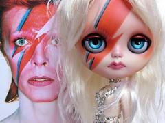 "Blythe Custom caracterizada ""Aladdin Sane"" Bowie Girl para Vagner Carvalheiro"