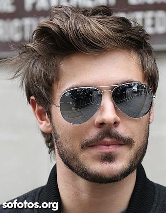 cabelo masculino liso e barba por fazer