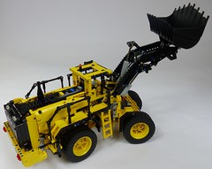 LEGO Technic 42030 Volvo L350F (RS 1990) Tags: new volvo lego review technic features loader 2014 42030 l350f powerfunctions techlugfr