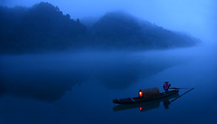 s 2014 27Jun Xiao DongJiang Mist_Panorama003 (Andrew JK Tan) Tags: china travel blue mist lake landscape boat scenic lantern boatman 2014 xiaodongjiang dongjiang