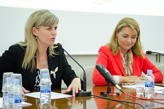 Susana Camares, Secretaria de Estado de Servicios Sociales e Igualdad, y Asunción Sánchez Zaplana, Consejera de Bienestar Social valenciana
