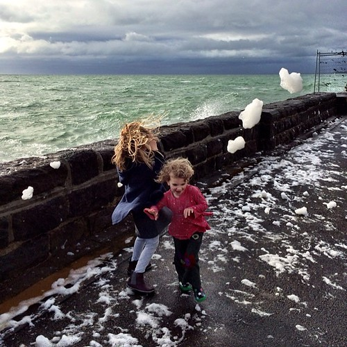 365/185 • crazy waves and foam • #2014_ig_185 #winter #morningtonpeninsula #mornington #6yo #3yo #beach #weather