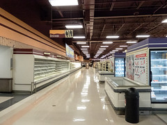 Vacant... (Nicholas Eckhart) Tags: america us usa columbus ohio oh retail stores hilliard former closed empty closing gianteagle supermarket groceries interior
