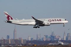 A7-ALN | Airbus A350-941 | Qatar Airways (cv880m) Tags: newyork kennedy jfk kjfk airliner airplane jetliner aircraft airbus a7aln a350 350900 350941 qatari qatarairways oryx qatar 359 empirestatebuilding manhattan