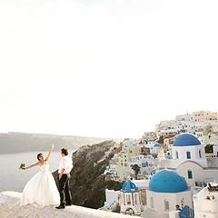 #Wedding Photoshooting in #santorini island for Jason & Tina! Stunning shots captured by our super-talented #weddingphotographer @elenidona www.elenidona.com #weddingplanning by @weddingingreece www.weddingingreece.com #weddingingreece #weddingsantorini #