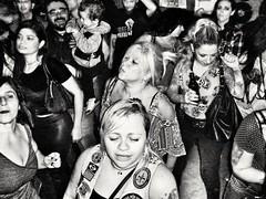 Somos rebeldes,  rebeldes com causa... (cláudia f.) Tags: punkrock punks bandadeserdados punkbrasil show