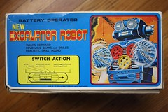 Excavator Robot Box Side (Horikawa 1970's) (Donald Deveau) Tags: box robot sciencefiction toys toyphotography vintagetoy japanesetoy batteryoperated excavatorrobot boxes