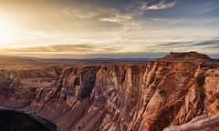 Horse Shoe Bend - Rock Walls (QuintinGellar) Tags: usa america horse shoe bend quintin gellar sunset sun nikon travel rocks page arizona