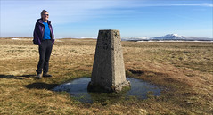 12 of 52 trig points (Ron Layters) Tags: 2017 ronlayters selfportrait 52trigpoints gragarethfell trigpoint pool moat highestpointinlancashire cold snow moorland sunnyday grass ingleborough fell summit felltop pillar tp3427 fbs5404 yorkshiredales yorkshiredalesnationalpark ireby ingleton lancashire england unitedkingdom 52weeks 52 phonecamera iphone apple appleiphone6 selftimer tripod 10secondtimer weektwelve week12 12