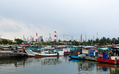 2013-08-11_中芸漁港 (Aaron Photograghy studio) Tags: documentary port fishingport kaoshiung kaoshiungcity 高雄 高雄市 林園區 中芸漁港 jhongyunfishingport sonyphotograghy nex6 sel2418za boats jhongyunharbor