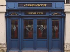 Irish pub (ilariapani) Tags: bonifacio corsica francia porto irishpub pub blu blue door portone porta entrata portablu bluedoor obrians wines spirit