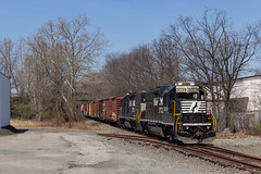 Pulling Clear (sully7302) Tags: 736 royal distributors dlw lackawanna erie spur