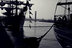 Le quai du port (Un jour en France) Tags: quai port pont église seine bateau voilier rouen bitte