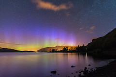 'Derwent Aurora' - Derwentwater, Lake District (Kristofer Williams) Tags: night sky stars nightscape aurora auroraborealis northernlights pillars landscape lake water keswick lakedistrict derwentwater treeline reflections