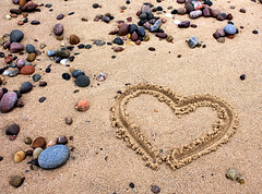 <3 U (Curl66) Tags: love beach sign canon photography eos scotland seaside sand heart stones expression expressive romantic feeling shape moray 1100d