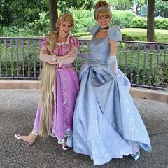 rapunzel & cinderella (alienalice) Tags: princess alice aurora cinderella snowwhite rapunzel aliceinwonderland swirling disneyprincess disneycharacters hongkongdisneyland hkdl