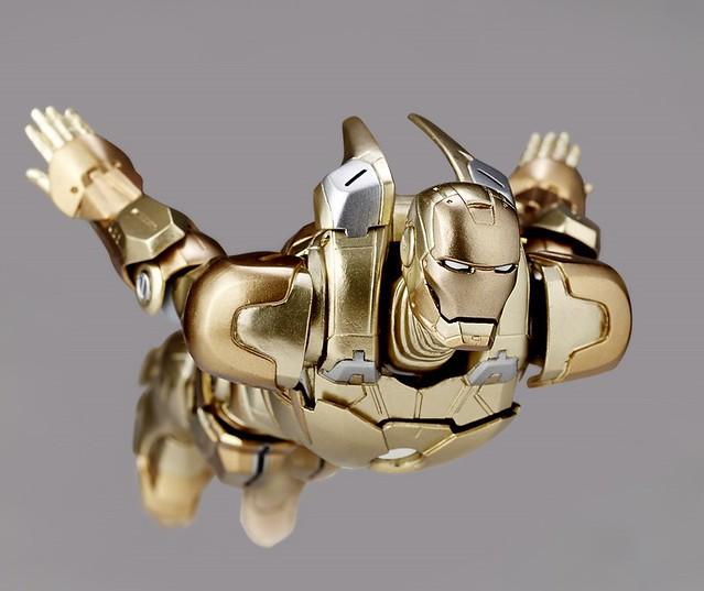 海洋堂 REVOLTECH No.052 IRONMAN3 – Ironman Mark XXI