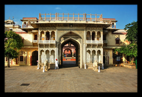 Jaipur IND -  The Palace Gate 02