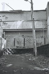 F1000011 (Wundernuss) Tags: abandoned north shore af illford 3200 sewer hexar