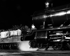 SVR 21591crbwconbri (kgvuk) Tags: nightphotography trains railwaystation locomotive railways steamtrain svr steamlocomotive severnvalleyrailway 460 bridgnorth engineshed 4936 kinlethall locomotiveshed hallclass 49xx bridgnorthstation bridgnorthengineshed